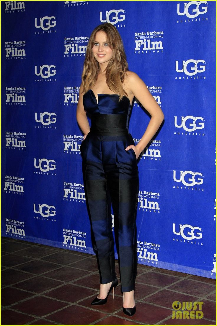 http://cdn04.cdn.justjared.com/wp-content/uploads/2013/02/lawrence-santa/jennifer-lawrence-santa-barbara-film-festival-honoree-01.jpg