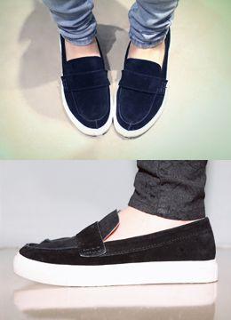 Today's Hot Pick :スウェードスリッポン http://fashionstylep.com/SFSELFAA0014853/coiija/out 本格牛革を使った柔らかい手触りのスウェードスリッポンです。 分厚いゴム素材のアウトソールで歩き心地が抜群☆ 脱ぎ履きが楽ちんなローファースタイルで カジュアルコーディのワンポイントに持ってこいのアイテムです!