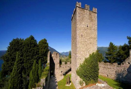 Itinerari in moto - Varenna e Castello di Vezio, mini gita domenicale - InSella.it