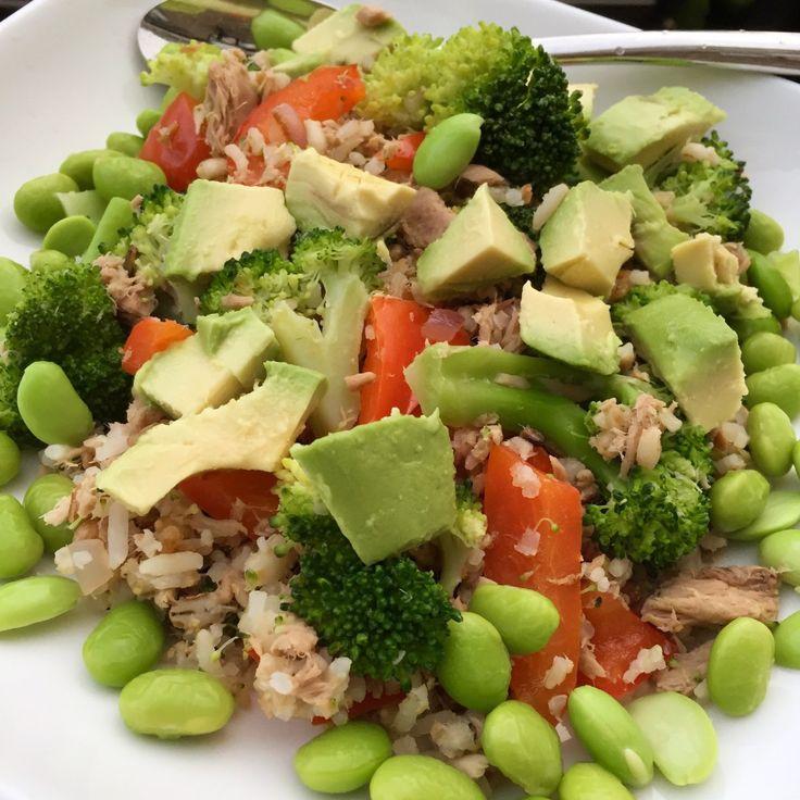Snel rijstgerecht met tonijn en avocado - Seashells 'n Kettlebells