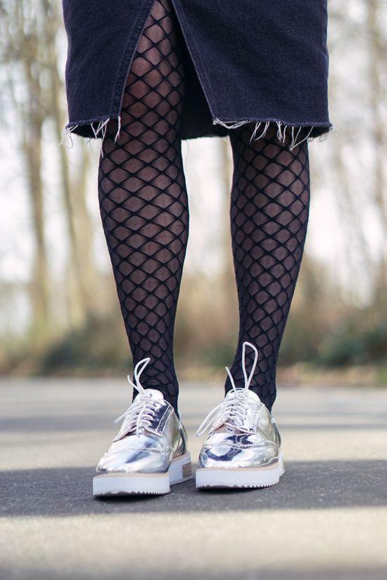 #derbies #resille #fashionblog #blogmode #derbiesargent   http://www.modenmarie.com/les-derbies-argentees.html