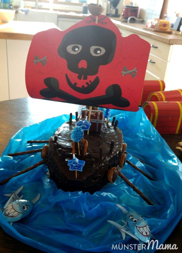 Kindergeburtstag - Die Verpflegung beim Piratengeburtstag bestand aus einer Schiffs-Torte, Kanonenkugeln und einer Erdbeer-Sahne-Torte. Minimaler Aufwand, ehrlich!