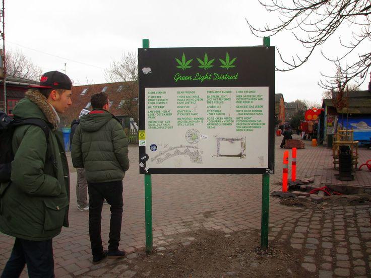 """O som do reggae ecoa no ar. Ainda estamos a alguns metros do bairro de Chistiania e já se ouvem os batimentos de alguns tambores e o """"sound"""" nas ruas. Como dizem os meus saudosos amigos argentinos """"muito boa onda"""".♪♫ ♩♫♭♪♯♬♮♫♯ Uma visita a Christiania é uma """"viagem"""" dentro de Copenhaga. Christiania é a """"free …"""