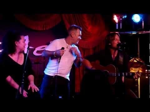 Flame Trees - Jimmy Barnes and Keith Urban - Lizottes - 6-6-12 - Would have loved to be there!!!!