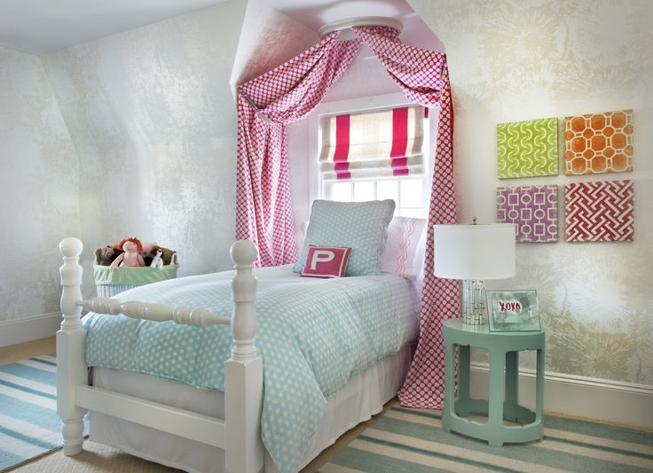 childs bedroom in aqua and pink with fireworks metallic wallpaper - Metallic Canopy Decorating