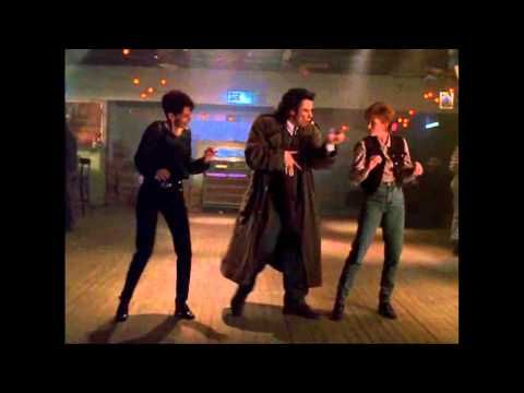 Michael  1996  John  Travolta [Dance scene]
