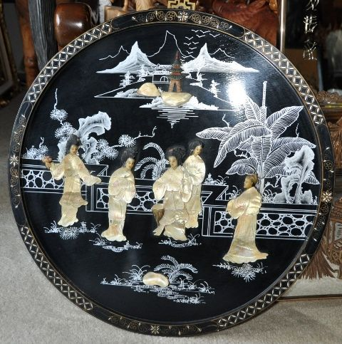 Round Chinese lacquer painting with ladies and scenery painting