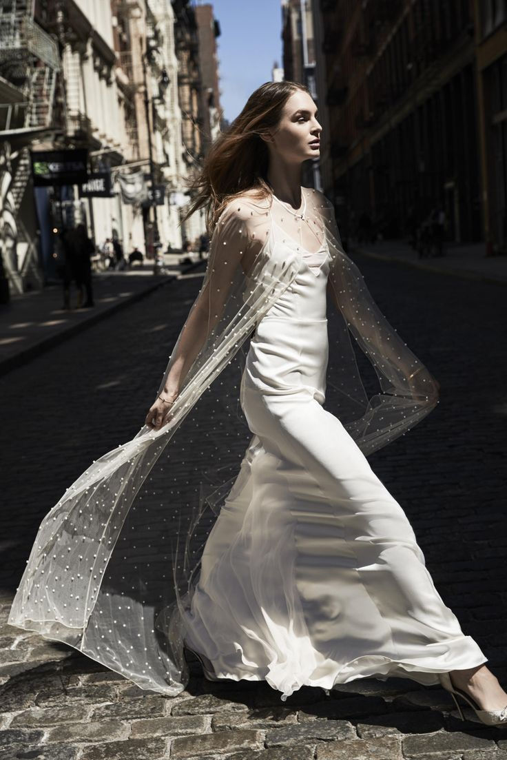 A look from the Savannah Miller spring 2018 bridal collection. Photo: courtesy.