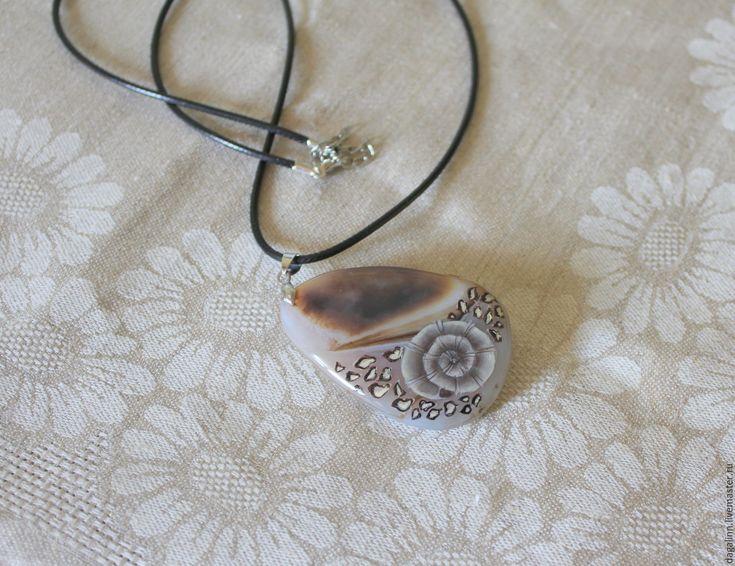 Купить Аммонит - комбинированный, серо-коричневый, кулон натуральный камень, подарок, ракушка, роспись акрилом