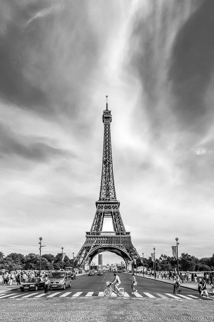 Road to eiffel by Erhan Meço on 500px