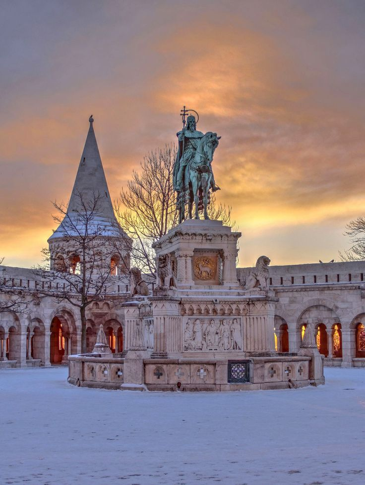 https://flic.kr/p/R5w27e | St.Stephen statue and Fishermans Bastion-Budapest