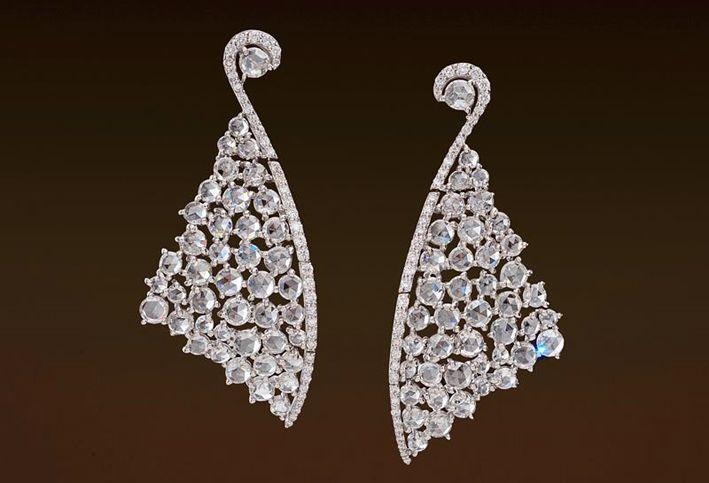 Orecchini in oro bianco e diamanti bianchi