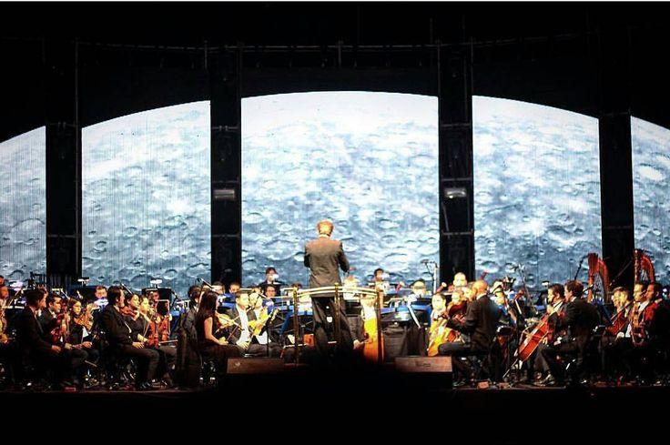 Expo Guadalajara  siempre mágico  Foto por @cassam05  #Guadalajara #Jalisco #enguadalajara #gdl #gdlmx  #igersguadalajara #igersmexico #megustagdl #mextagram #mexicanblogger #mexicoandando #icu_mexico #loves_mexico #creativosmx #luna #moon #musica #classical #orchestra #light #luz #classic #vscogdl #vscocam #wanderlust #neverstopexploring #liveauthentic