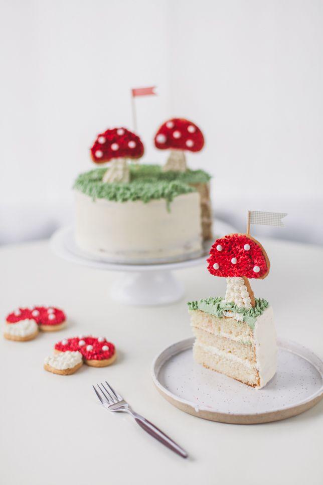toadstool cookie cake