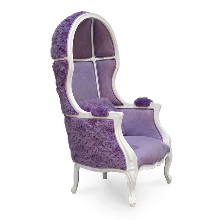 CIRCU's moon chair is a unique furniture piece to decorate your kid's bedroom design. Made of white lacquered wood, it has a soft velvet interior and it's finished with exclusive fur fabrics. Know more at www.circu.net #circu magical furniture #kidsroomideas kids room decor #luxurykids dream room
