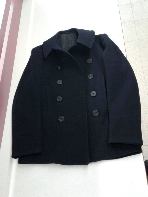 WW2 US Navy Pea Coat Enlisted Wool Bakelite Buttons Sz 42