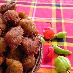 Accras (acras) de morue, les vrais !        Pas  un livre de cuisine antillaise, pas un site, pas un calendrier gourmand  dédié aux Antille...