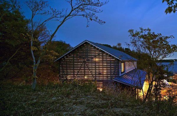 Barn Style Home Design by Japanese Architecture Firm | Modern House Designs
