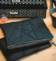 Diese schmucke Tablet-Tasche einfach mal selbst nähen? Na klar! Ganz easy mit der Anleitung im Makerist-Blog.