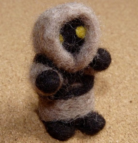 miniature felted jawa by WoodlandFeltCrafts on Etsy, €12.00
