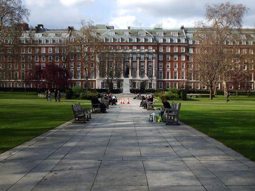 Grosvenor Square: A Rose in London's Architectural Bouquet #London #History #prettycitylondon #ilovelondon #Bughettravel #Cabs
