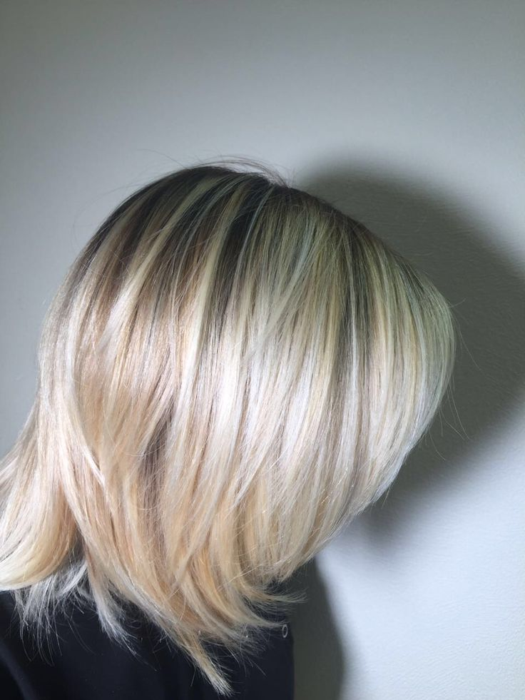 Светлый цвет, разве он не прикрасен? Instagram: ryumin_vladimir #стилистРюминВладимир  #патрики #парикмахер #стрижка #шатушь #омбре #окрашивание #goldwell #девчёнки #красота #волосы #рюминвладимир #элюминирование #салонкрасоты #рукиножницы #gn #блонд #блондинка #балаяж #омбре