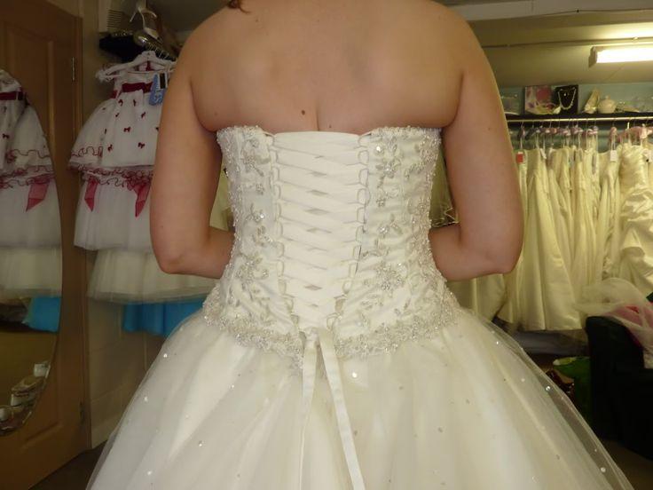 Wedding Dress Corset Back Fat ...I hate my back bulges! RoadToGoal.com