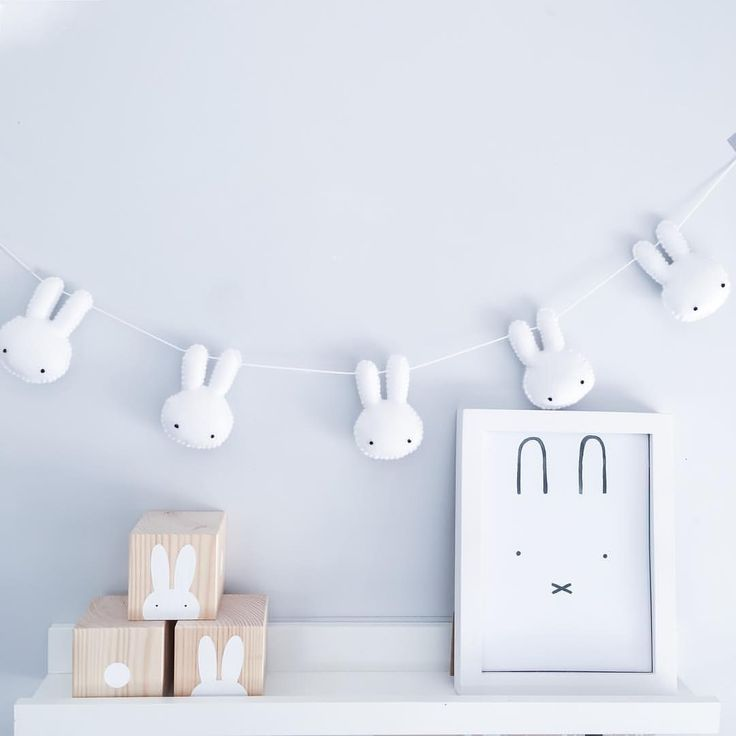 """C O R A L / A T K I N S O N op Instagram: """"Using this on both feeds as these lovely cubes from @mylaandoscar arrived today as the perfect photo prop with my bunny garland (and lovely afternoon light for capturing them ) """""""