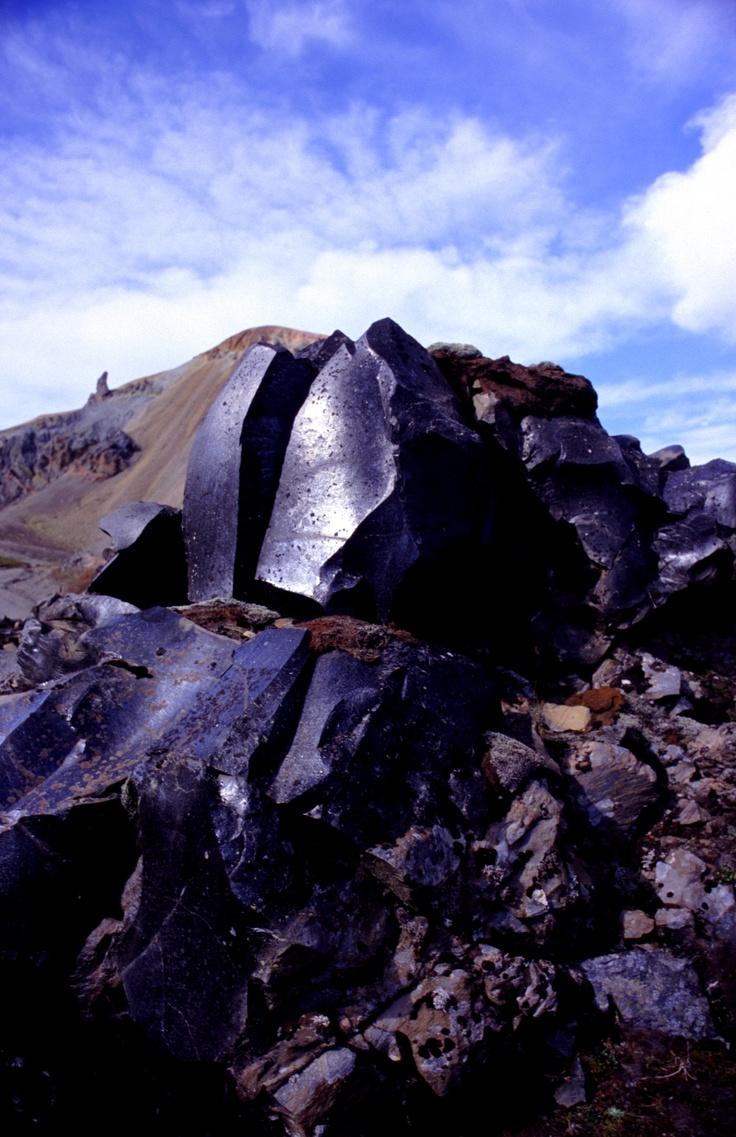 obsidian! (iceland) omfg i love rocks!