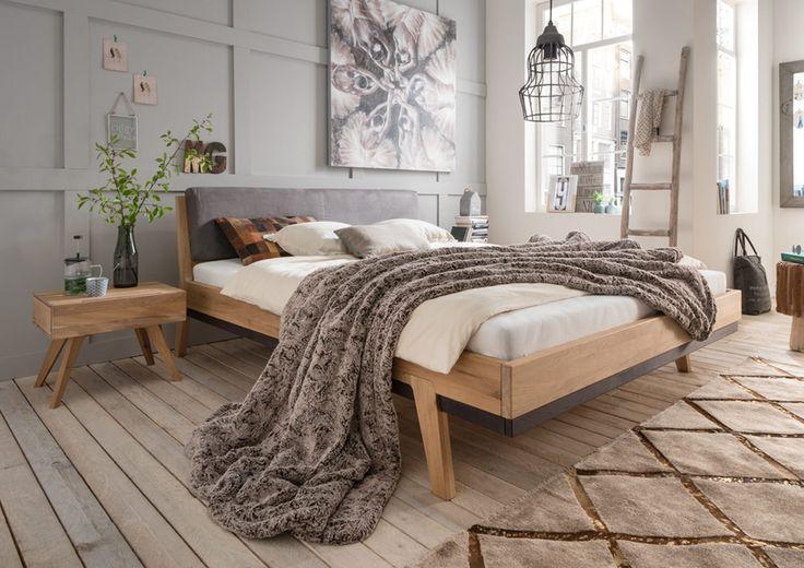 Sarafina - Bett mit Polsterkopfteil ist in 2 verschiedenen Farbtönen und 4 verschiedenen Größen lieferbar. Wildeiche natur geölt oder Wildeiche Bianco geölt. Von 140x200 bis 200x200 cm Schau vorbei , bei massive-naturmoebel.de