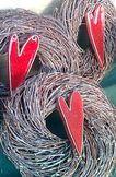 Risukranssi on osa Mie & Sie® -tuoteperhettämme. Kranssi on Väinölän luomutilan tuotantoa, keraamisen sydämen on tehnyt Keramiikkapaja Savilla.
