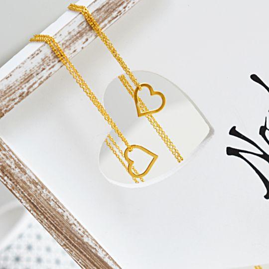 Bransoletki złote z serduszkiem. Cena: 109zł. Kup na: https://laoni.pl/Zlota-bransoletka-celebrytka-z-zawieszka-serduszkiem #bransoletka #serce #złota #srebrna #zawieszka