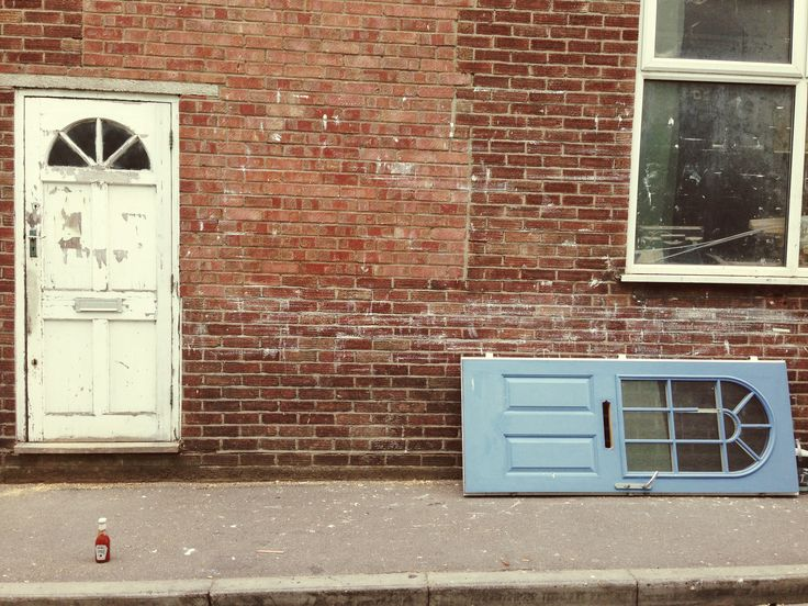 Brighton ketchup and sideways door