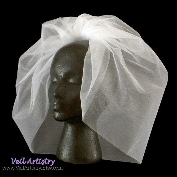 Short Wedding Veil, Bubble Bridal Veil, Short Veil, Bouffant Veil, Full Veil, Made-to-Order Veil via Etsy $110