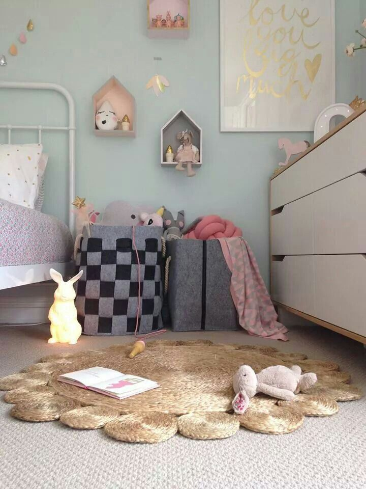 Beautiful for little girls room!