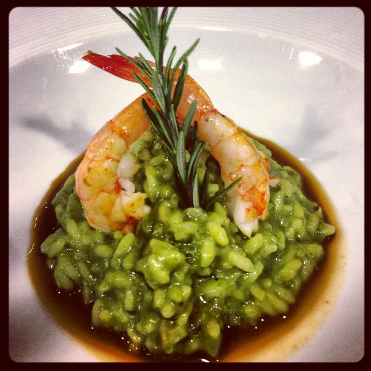 Arroz verde con gambas en su salsa