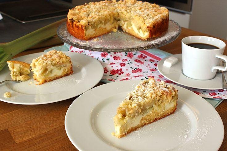 Sallys Blog - Rhabarberkuchen mit Vanillecreme und Streuseln