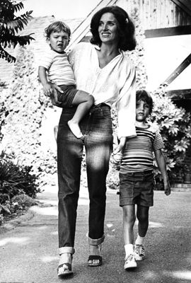 Margaret Trudeau (previously Margaret Sinclair and now Margaret Kemper) with her two sons Michel Trudeau (left) and Justin Trudeau