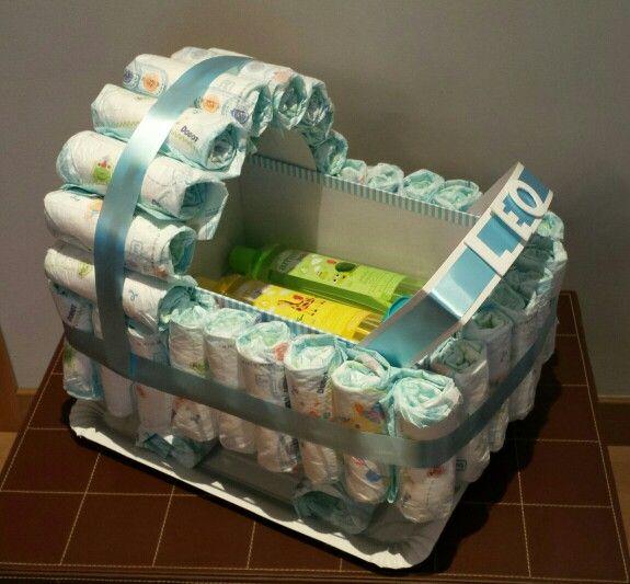 Tarta de pañales en forma de carrito! Dento, toallitas Dodot y juego de gel, colonia y champú!