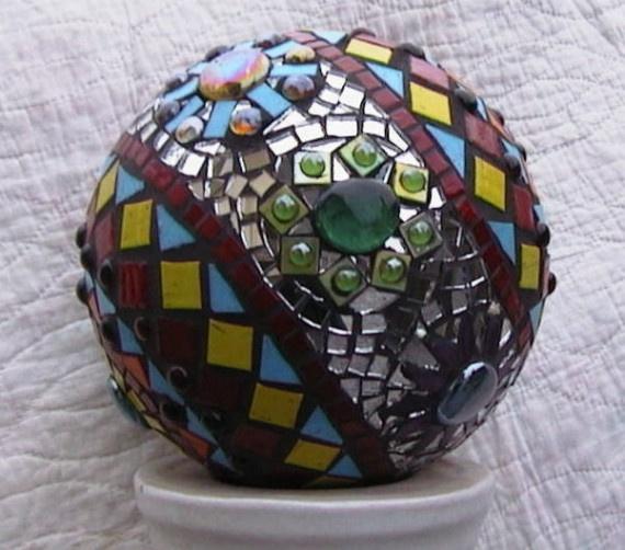 Twinkley Floweredy Disco Garden Ball