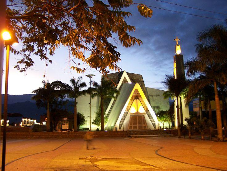 Catedral La Inmaculada Concepción, en Armenia, Quindío, Colombia.