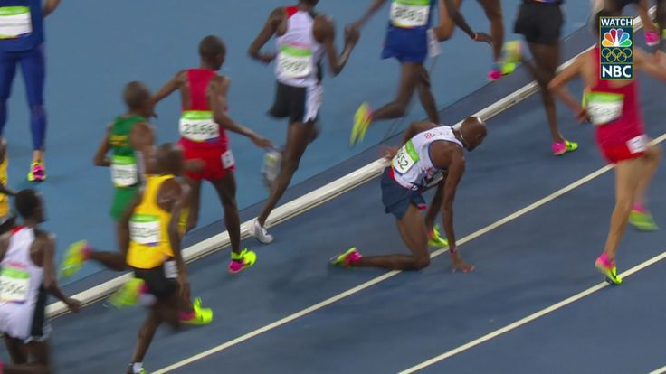 Great Britain's Farah recovers from fall to win 10,000m gold