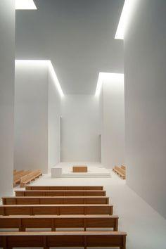 *Churches, sacred places, interiors, architecture* - La Iglesia de Iesu. San Sebastián, España 2011.