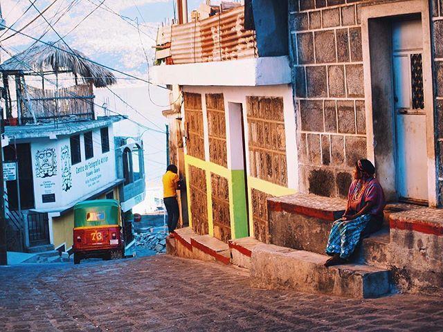 #atitlán 「Guatemala🇬🇹」 旅をすればするほど自分の無知さ加減にげんなりする。 歴史も経済も宗教も。 28年間何してたんだろーってぐらいなんにも知らない。 けど「遅すぎることはない」と信じて、 少しずつ色んな事を調べたり勉強したりしています。 色んな事を吸収して勉強して、 少しは成長して帰れるといいな。 by hossa * * * #スペイン語留学 #スペイン語以外もたくさん学ばせてくれた #本当にやってよかった #やっぱり言語っていいな #少しだけど現地の人と近付ける気がする #通学路 #平和な街 #アティトラン湖 by (hossakuraworld). atitlán #バックパッカー #カップルフォト #love #ファインダー越しの私の世界 #travelgram #旅するほっさくら #海外旅行 #スペイン語留学 #世界一周 #やっぱり言語っていいな #絶景 #honeymoon #本当にやってよかった #スペイン語以外もたくさん学ばせてくれた #アティトラン湖 #guatemala #旅 #ハネムーン #カップル #新婚旅行…
