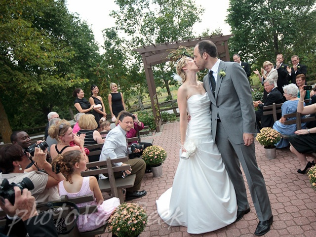 MY DREAM WEDDING VENUE EXSISTS!! And it's in Ottawa :) A barn turned wedding venue.