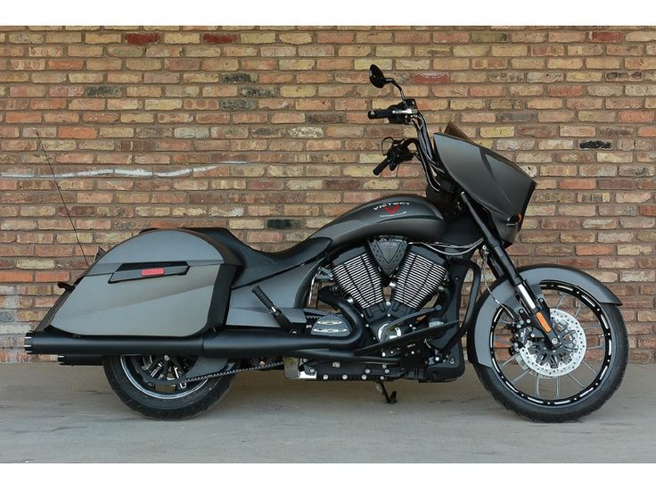 2014 Victory Cross Country Suede Titanium Metallic