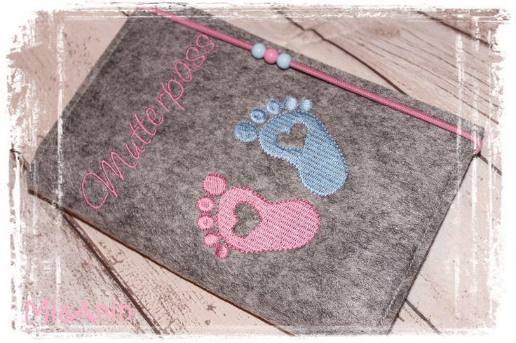 Mutterpasshüllen - Mutterpasshülle *Filz*Babyfüßchen*Mutterpass* - ein Designerstück von MiaAnin bei DaWanda