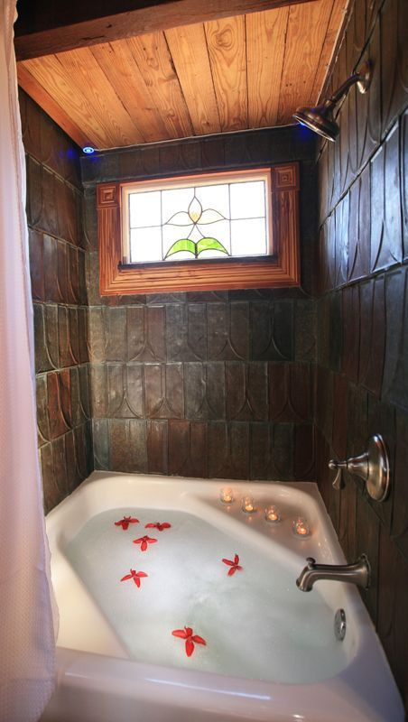 Tiny House Bath Tub ❤︎