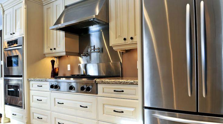 Utensílios, eletrodomésticos e peças de aço inox estão sempre na moda. Saiba deixá-los sempre limpos e brilhantes.
