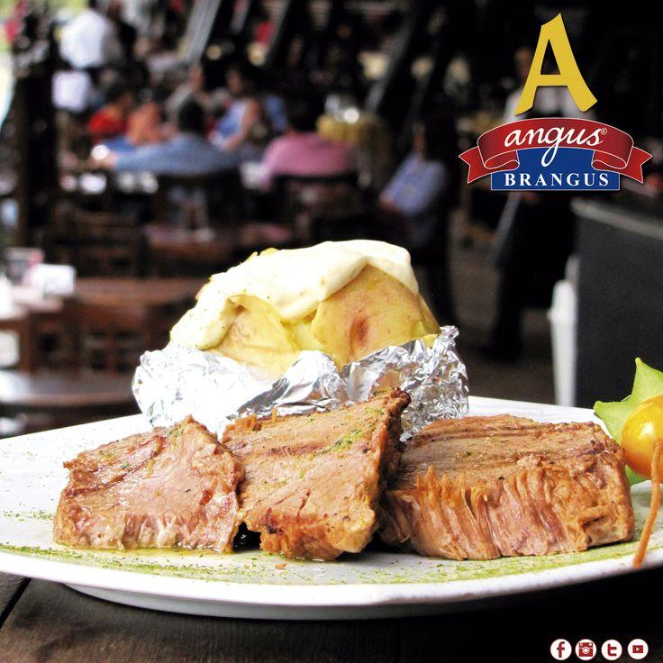 Almuerzo con una de nuestras deliciosas recetas; hoy sugerimos el exquisito Morrillo que preparamos en Angus Brangus Parrilla Bar  . ¡Te esperamos!    Reservas: 2321632 - 310 7006602.  www.angusbrangus.com.co  Cra. 42 # 34 - 15 / Vía las Palmas.    #restaurantesmedellin #AngusBrangus #parrilla #medellíntown #medellíncity #restaurantesrecomendados #delicioso #foodlovers #quehacerenmedellin #dondecomerenmedellin #deliciasmedellin #meatlover #traditionalfood #buenambiente #exquisito #compartir
